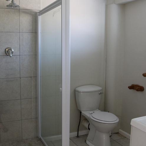 Flatlet bathroom